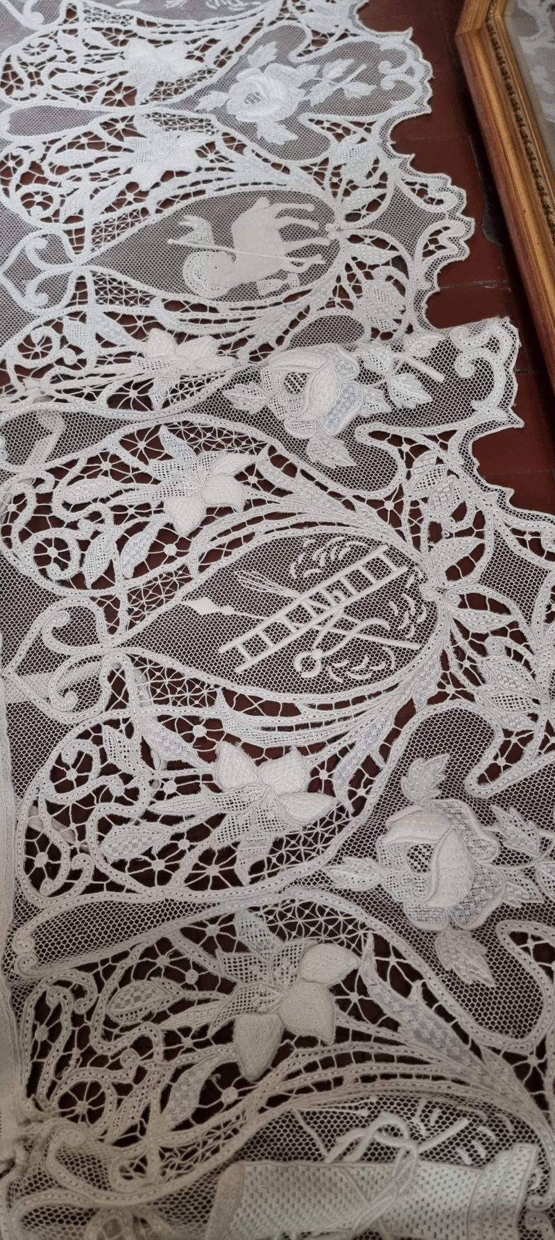 Tovaglia completa di copri balaustra 9